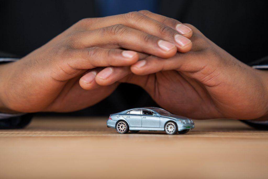 Univista Insurance: Cotiza Seguro de Carro Barato